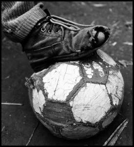 fusballschuh mit loch palencia